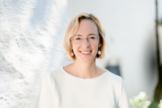 Seit über zehn Jahren lehrt und forscht sie zu sozialen Fragen der Internetökonomie und Technikgestaltung